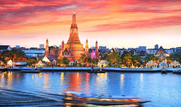 Golden-temples-in-Bangkok-593006